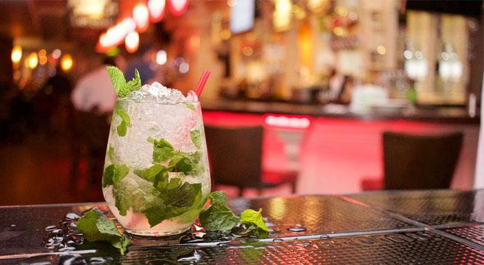 Energetická a nutričná hodnota alkoholických nápojov vrátane sladkého Mojita.
