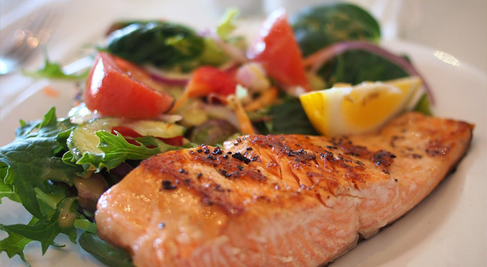 Ryby sú skvelým nástrojom ako spáliť tuky z brucha.
