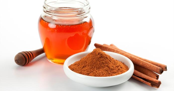 Med a škorica je liek, ktorý zaberie pri chudnutí, posilnení imunity i chorobe.