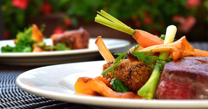Zmenou stravovania je paleo diéta, ktorá patrí medzi zaručené spôsoby ako schudnúť.