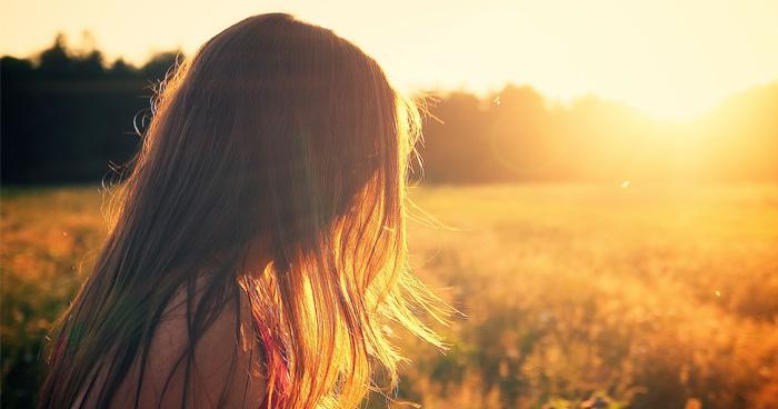 Vitamín D a jeho nedostatok údajne spôsobuje aj vypadávanie vlasov u žien.