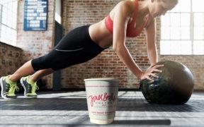 Vypiť šálku kávy pred cvičením alebo radšej nie?
