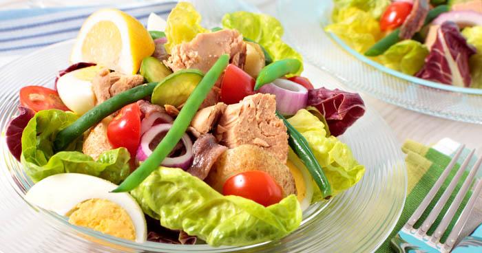 Tuniakový šalát je počas 5-dňovej diéty skvelým jedlom.