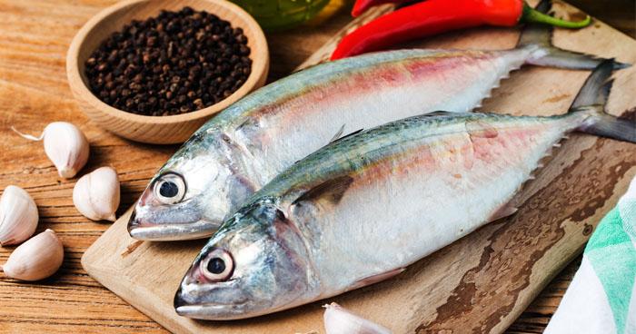 Jedálniček pri herpese by mal obsahovať aj ryby.