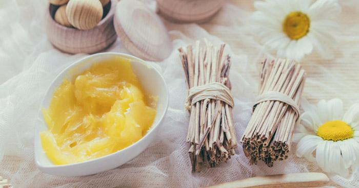 Ghee maslo alebo tiež prepustené maslo.